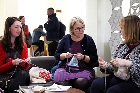 Knitting group chatting